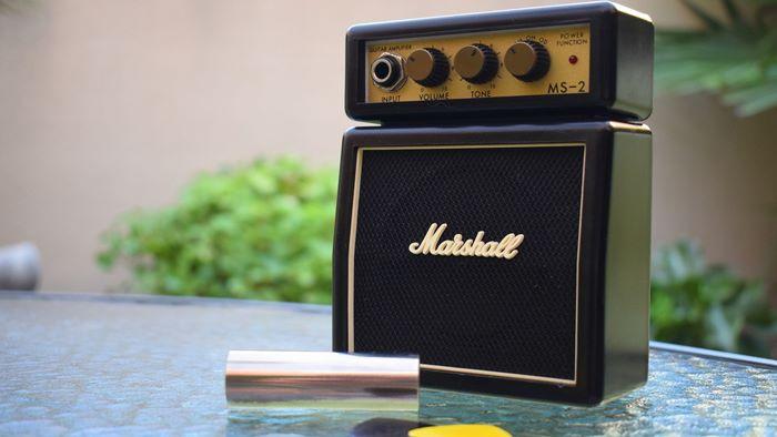 【小型ギターアンプ】おすすめ自宅練習用アンプ7選「各メーカー・タイプ比較」