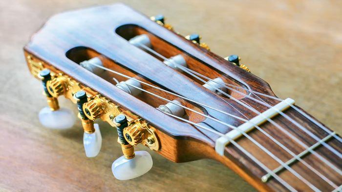 アコギ弦の素材・種類・選び方【おすすめ4メーカー】比較と評価